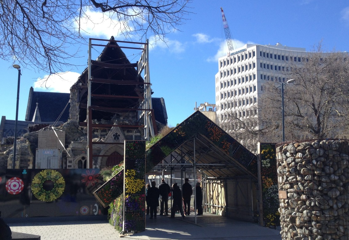 Article published in Portuguese: The Christchurch rebuild